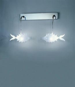 lampada con pesci a parete